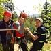 """Willi und Christian ersparen sich den Abstieg - sie """"fahren"""" ins Tal"""