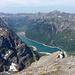 Auf dem Gipfel des Vorder Glärnisch mit Blick auf den Klöntalersee. Wenige Sekunden später gab die Batterie des Fotoapparates den Geist auf.