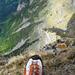 """Das obligatorische """"Tiefblick-Foto"""" vom Gipfel des Schwarzhorns"""