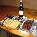 SLURP,quanta roba buona,la mitica mitica torta,3 enormi fette,con un'altra modifica...e le focacce: con patate rosolate e cipolle: pare fosse buona! E il vinello messo a disposizione da Gabriele che ringrazio!