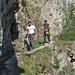 Die beiden bereiten sich vor für ihren Gang in die Felswand