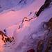 Ein Fuss über der in rot getauchten Clariden Nordwand