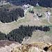 Tiefblick vom Klimsenhorn auf Fräkmünt und die Rodelbahn.