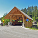 Die (neue) schöne Holzbrücke über die Emme zum Kemmeriboden Bad