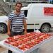 Erdbeerverkäufer in Pejë / Пећ (Peć).