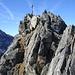 kurz unter dem schroffen Gipfel; Blick zur Peiderspitze