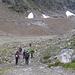 Inizialmente ci incamminiamo per il sentiero diretto al ghiacciaio.