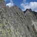 Unzählige gebohrte Sicherungen oder Schlingen für Stände als (Not-)Abstieg – es gibt ein gutes halbes Dutzend Fluchtmöglichkeiten, die meisten im T5-Bereich