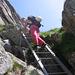 Daniela sulla scaletta che precede il Salbitbrücke.