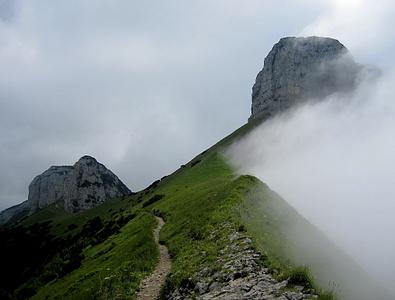 So war es eigentlich ständig, Nebel drückte sich vom Rheintal herauf.