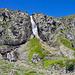 Oben am Wasserfall sollte man im Abstieg den Weg nicht verfehlen