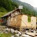 Capanna d'Osula - der Anbau tangiert nicht den Hüttenbetrieb