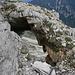 ein Loch im Fels
