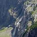 Wasserfälle in den Felsen unter dem Balmhorn
