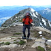 Hauptgipfel Pizzo di Claro 2727m - Im Hintergrund der Nebengipfel 2720m mit Gipfelkreuz und im Tal Bellinzona.