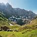 Rechts geht es zur Fridolinshütte. Links zieht ein Weg durch den Berghang von Tentiwang. So entstand die Idee, von hier aus eine Rundtour zu versuchen.