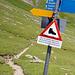 Kommt man vor Furggialp her, wird der Wanderer darauf hingewiesen, dass der Gsürweg nicht ganz Kinderwagentauglich ist…