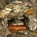 Das Gipfelbuch auf dem Bettlerstock (2099m) befindet sich in einem lustigen Steinhäuschen.