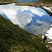 Wolken spiegeln sich im Mittleren Wildalpsee