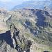 Brunnitaler Schwarzstöckli 2568. Über den breiten Ostgrat kann man leicht den Gipfel erreichen. BG, ist im Führer nicht aufgeführt.
