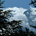 Weiter oben bei Schwamm zeigt sich der Tödi als Wolkenschloss.