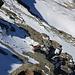 Thomas am Sichern bei der letzten Seillänge hinauf aufs Gipfelfirnfeld vom Lauterbrunner Breithorn.