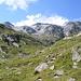 La testata della Val Camadra con l'omonima cima e il Medel dalla lunga cresta Ovest