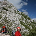 Pause beim Abstieg, hinten der Gipfel