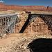 Navajo Bridge, a sinistra il ponte pedonale e a destra quello del traffico motorizzato.