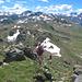 Blick vom Jatzhorn zum Wuosthorn (am Horizont genau in der Bildmitte)