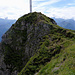 Das imposante Gipfelkreuz