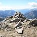 Basodino, cima Sud (3236 m): un discreto ometto la evidenzia