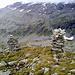 eingerahmt die Friesenberghütte<br /><br />gegenüber ist der Übergang zur Olpererhütte sichtbar (vergrößern)