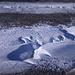 Die einzigartigen Entonnoirs und Canyons des kalten Grenzgletschereises
