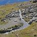 die  oberste Suone / 2640 m bringt noch klares  Wasser