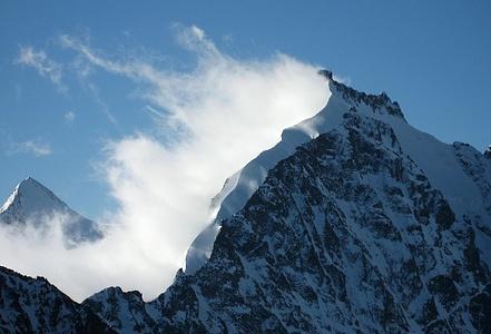 Piz Bernina 4049m mit Biancograt (Foto vom 24.6.2007)