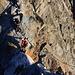 Zwischen Klein- und Großglockner befindet sich die Glocknerscharte (etwa 3755m) welche als Schlüsselstelle gilt. Der Abstieg vom Kleinglockner in die Scharte ist mit einem Stahlseil gesichert. Die ersten Meter zum Grossglockner oberhalb der Scharte sind am schwierigsten - doch mit der Felsschwierigkeit II sind sie dennoch moderat und man findet dort überall schöne Griffe und Tritte so dass die Kletterei richtig Spass macht!