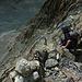 Hier beginnt die steile Wegspur mit Kletterstellen im II. Grad nahe P. 3309 hinunter zur Forcle