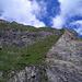 Viel steiler können (begehbare) Grashänge nicht mehr sein!
