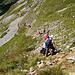 Zwischen den Felsabbrüchen des Ifen gibt es nur einen Weg in Richtung Schwarzwasserhütte der für Wanderer gangbar ist.