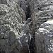 Nur in Ifennähe sind die Spalten im Plateau so ausgeprägt.