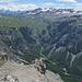 Val d' Uina, dahinter Piz Sesvenna, links am Horizont der Ortler