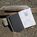 Gipfelbuch mit hübscher Verpackung. Es finden sich rund 20 Einträge pro Jahr