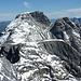 Vorne Chli Ruchi, ein sehr ebener Gipfel, dahinter der Hausstock
