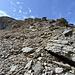 Etwas zu tief geraten. Der weitere Nordostgrat des Zahm Andrist ist einfach zu begehen. Man quert noch einfacher direkt unterhalb der Felsen.