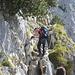 Im leichten Klettersteig an der Südwand