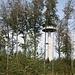 Jetzt wäre er ganz drauf, dann stören wieder die Bäume.<br />Der Funkturm ist ein sog. FMT12 Turm ist 144m hoch, Baujahr 1984