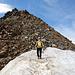 Bereits auf dem Zufrittferner, skeptischer Blick zum Gipfelaufbau
