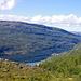Tief unten am fjordähnlichen See die Siedlung Sulitjelma, von den Einheimischen Sulis genannt