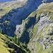 Aufstieg nach dem Geltenschuss (aufgenommen beim Abstieg von der Geltenhütte); serpentinenartig aufwärts, dann links übers Schotterfeld hinauf